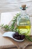 Oliven und Olivenöl Lizenzfreies Stockfoto