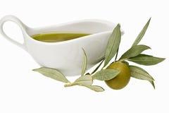 Oliven und Olivenöl Lizenzfreie Stockfotos