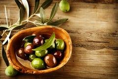 Oliven und Olivenöl Lizenzfreie Stockfotografie