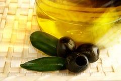 Oliven und Schmieröl Stockfotografie