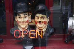 Oliver Hardy und Stan Laurel. CIRCA JANUARY 2009 - BERLIN: figurines showing Oliver Hardy und Stan Laurel in a display window in Berlin Royalty Free Stock Photo