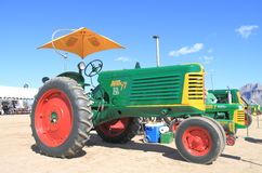 Classic American Tractor - Oliver 77 (1950) with Sun Sail. This Oliver 77 Row Crop tractor from 1950 was on exhibition in Apache Junction, Arizona/USA (Arizona Stock Image