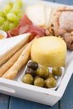 Olives avec du fromage Image stock