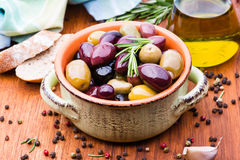 Olives in bowl Royalty Free Stock Photos
