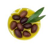 Olives de Kalamon en huile Photo stock