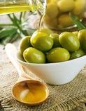Olives et huile d'olive Images stock