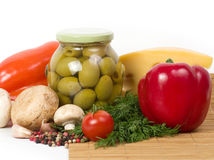 Olives with fresh vegetable Royalty Free Stock Photos