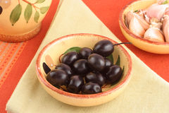 Olives and garlic Royalty Free Stock Photography