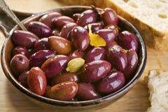 Olives noires marinées Images libres de droits