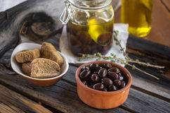 Olives & rusks Royalty Free Stock Photos