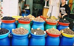 Olives sur le marché oriental Image stock