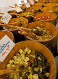 Olives sur une stalle du marché Images stock