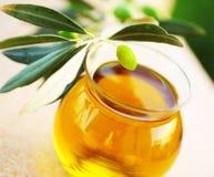 Olives vertes fraîches mûres Image libre de droits