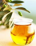 Olives vertes fraîches mûres Images libres de droits