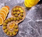 Olives vertes organiques et naturelles Photos libres de droits