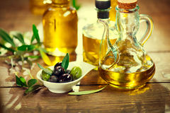 Olives and virgin olive oil Royalty Free Stock Photography