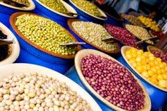 Olivgrünes Lebensmittelgeschäft in Casablanca stockfotos