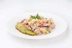 Olivier Salad mit cornichons Lizenzfreies Stockfoto