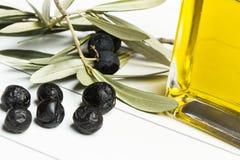 Olivolja buteljerar Arkivfoton