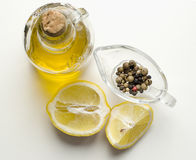 olivolja-, citron- och pepparblandning Arkivbild