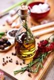 Olivolja med kryddor Royaltyfria Foton
