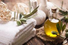 Olivoljatvål och badlakan Royaltyfri Bild