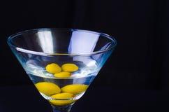 3 oliwek Martini zakończenie Fotografia Stock