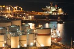 Olja lagringsbehållare Royaltyfri Fotografi
