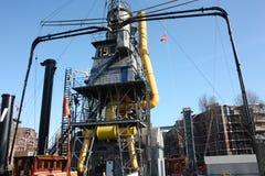 Oljasamlingsplattform gammalt industriellt system Kontrollenhet Energilagring royaltyfria bilder