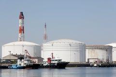 Olje- behållare i havsport Royaltyfri Foto
