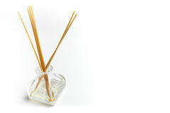 Olje- diffusor för arom som isoleras på vit bakgrund Royaltyfri Bild