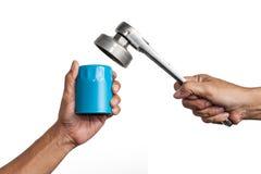 Olje- filter och en spärrhjulskiftnyckel Royaltyfria Foton