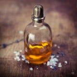 Olje- lavendel för massage Royaltyfri Foto
