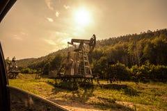 olje- pump-vagga arkivfoton