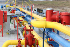 Olje- rafinery Royaltyfria Bilder