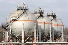 Olje- rafinery Arkivbild