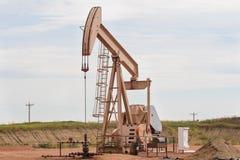 Olje- Rig In North Dakota Badlands Fotografering för Bildbyråer