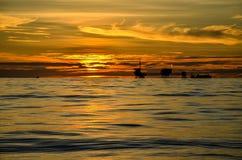 Olje- Rig Sunset Royaltyfri Fotografi