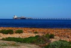 Olje- sändnings på port Bonython Royaltyfri Foto