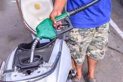 Olje- tanka till motorcyklar Fotografering för Bildbyråer