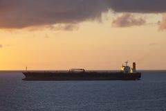 Olje- tankfartyg på havet Royaltyfri Bild