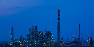 Olje- växt för raffinaderipetrochemicalbransch Arkivfoto