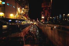 Oljeplattform i skeppsdocka royaltyfri bild