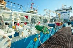 Oljetanker under påfyllning Royaltyfri Fotografi