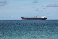 Oljetankerskepp i havet Arkivfoton
