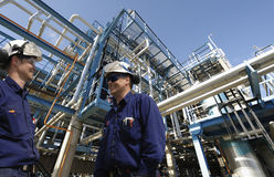 Oljeteknikerer och industri Royaltyfria Foton