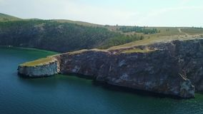 Olkhon Insel auf Baikal See Trieb Arial Dron stock footage