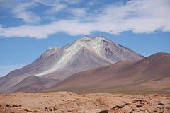 Ollague wulkan w Salar De Uyuni, Boliwia fotografia stock