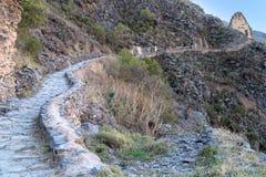 Ollantaytambo, Peru - circa Juni 2015: Bergsleep in Ollantaytambo in de Bergen van de Andes, Peru stock afbeelding
