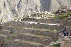 ollantaytambo Peru Pinkuylluna, inka storehouses w Świętej dolinie zdjęcia royalty free